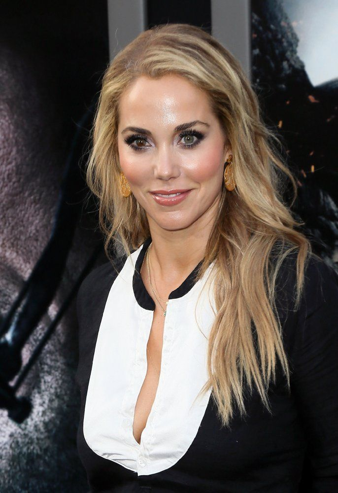 Elizabeth Berkley. (28-7-1972, Farmington Hills).