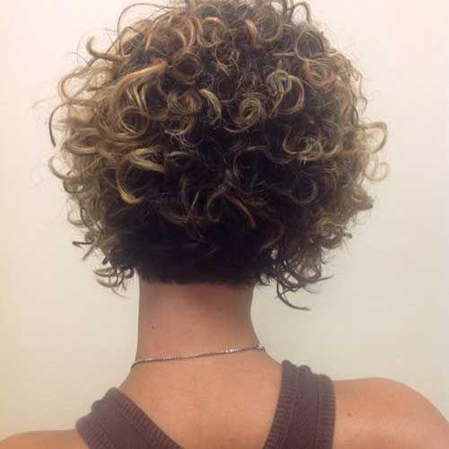 Süße und hübsche lockige kurze Frisuren
