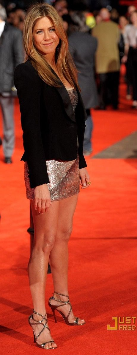 She Got Legs She Knows How To Use Them Jennifer