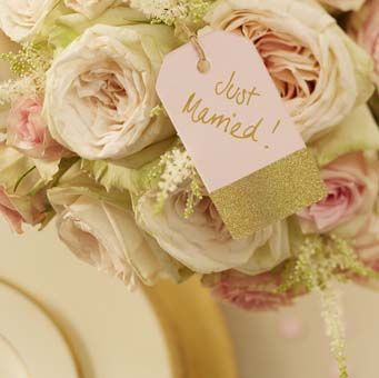 These gorgeous pastel pink and gold luggage tags are truly universal. Not just great for using as place cards on wine glasses or napkins, candy buffets or wish trees at a wedding and to help make favors.
