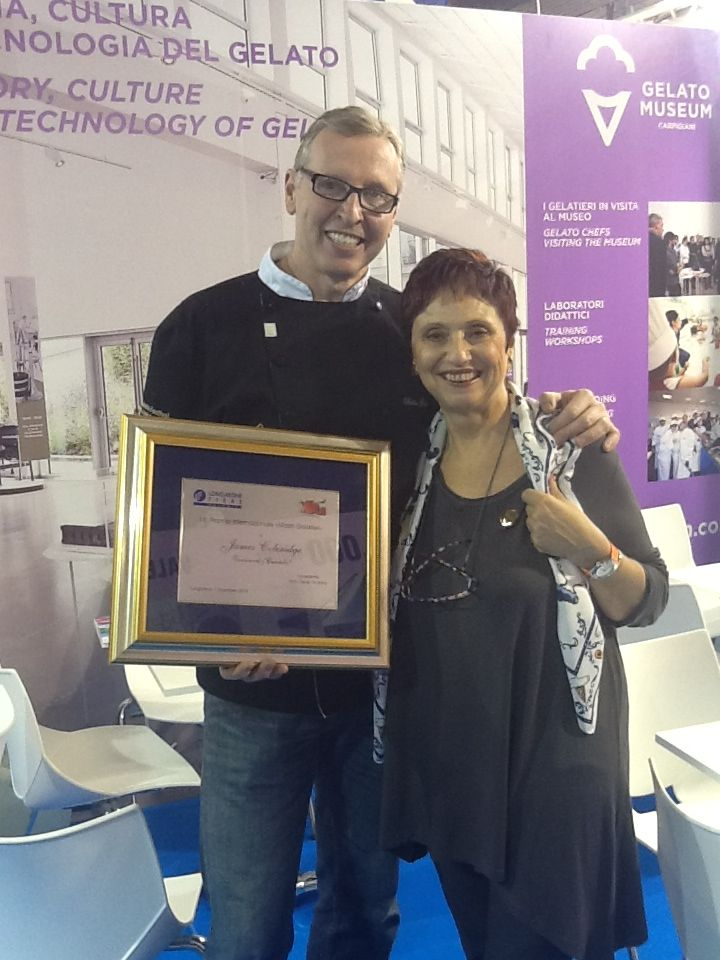 "MIG Longarone 2013 - James Coleridge (here with Donata Pancera) wins the award ""Gelato Masters"""