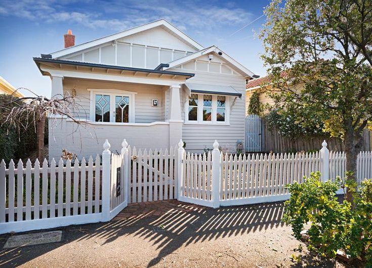 Stone & white Californian bungalow