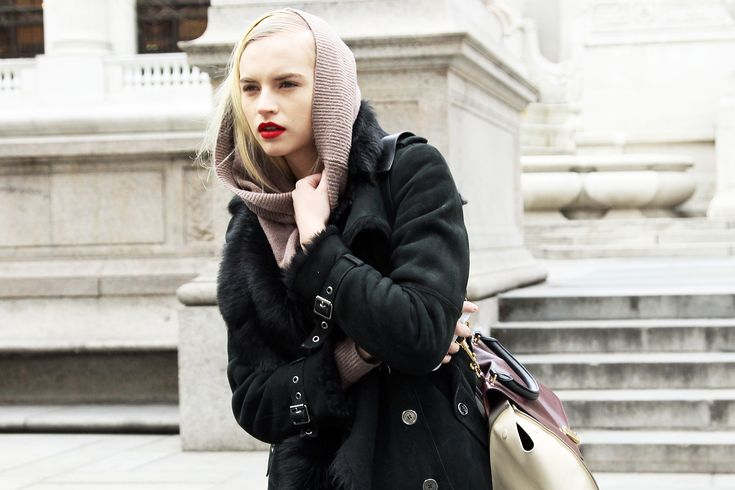 Reminds me of my first Denver winter 2012/red lipstick fling [Phil Oh]: Fashion Weeks, Clothes, Style Inspiration, Model Street Style, 2012 Street, Street Styles, 2012 Red Lipstick, Winter 2012 Red, Week 2012