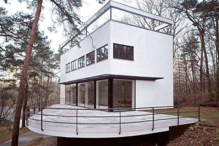 villa kluge landhaus am rupenhorn renovation and restoration 1930 berlin germany hans. Black Bedroom Furniture Sets. Home Design Ideas