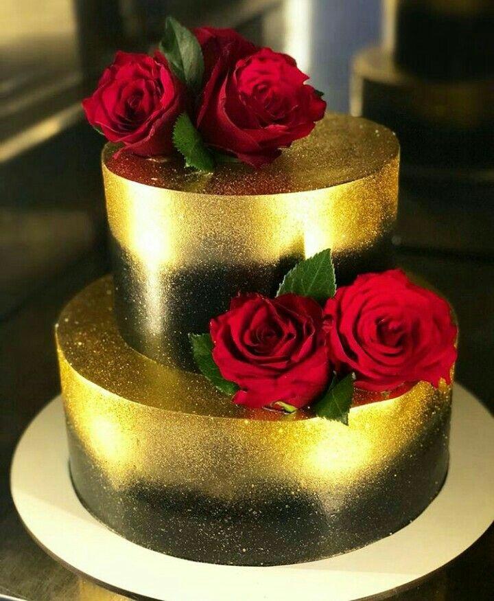 Bolo Decorado De Dourado E Preto Com Rosas Vermelhas Com Imagens