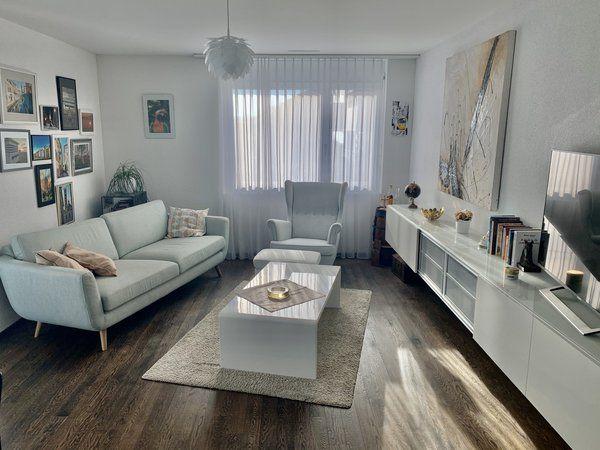Wunderschone Grosszugige 3 5 Zimmer Wohnung Mit Toller Aussicht In Hori Zu Vermieten In 2020