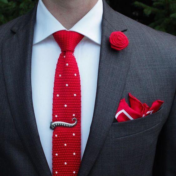Red polka dot knitted tie #polkatie #knittedtie #redtie