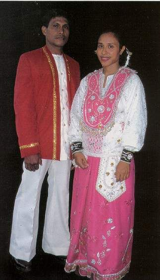 traditional ambonese dress