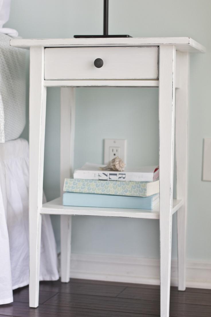 How to Distress an Ikea Hemnes nightstand