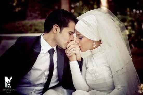 Awwwwww.....CUTE!!!!!!!!! Romantic Muslim Couples