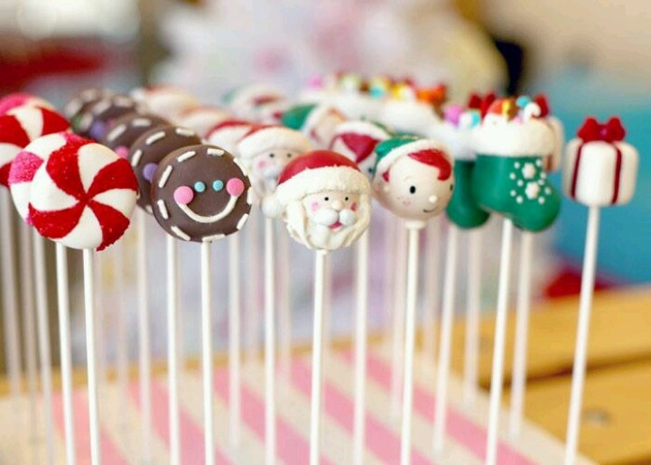 Cute Christmas cake pops and cookies