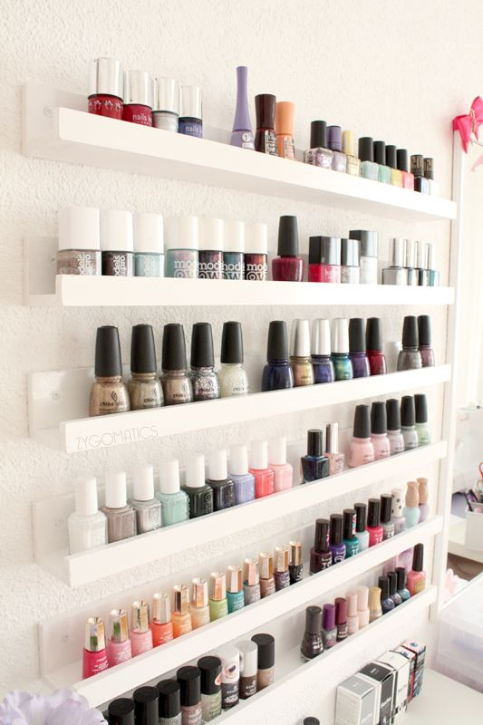 Nail polish shelf! Every girl needs one of these. Instructions in French & English.