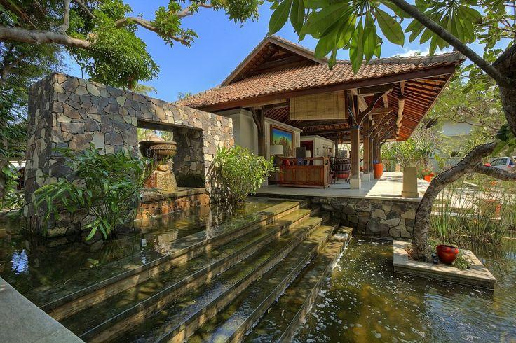 pond on reception area_sudamala lombok