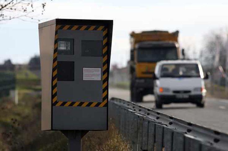 Il va falloir redoubler d'attention !!  Et oui ! cette année de nouveaux #radars fixes à double face vont faire leur apparition sur nos routes...