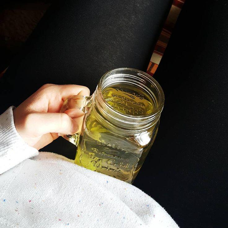 Groene thee afvallen Groene thee afvallen: waarheid of mythe?Afvallen met groene thee schijnt zeer gezond te zijn en zou diëten ook ondersteunen. Hollywood-sterren zoals Johnny Depp staan garant voor dit wondermiddel, dit warme drank wordt vaak geprezen dankzij zijn positieve werking,   #Groene thee