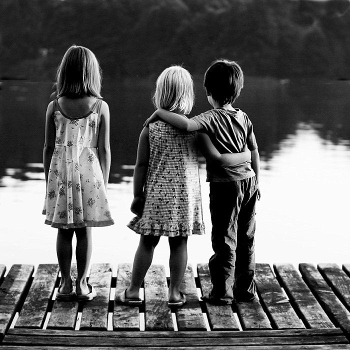 brother & sisters ♥Lakes House, Lakes Life, Friends, Childhood Memories, White, Third Wheels, Precious Moments, Kids, Black