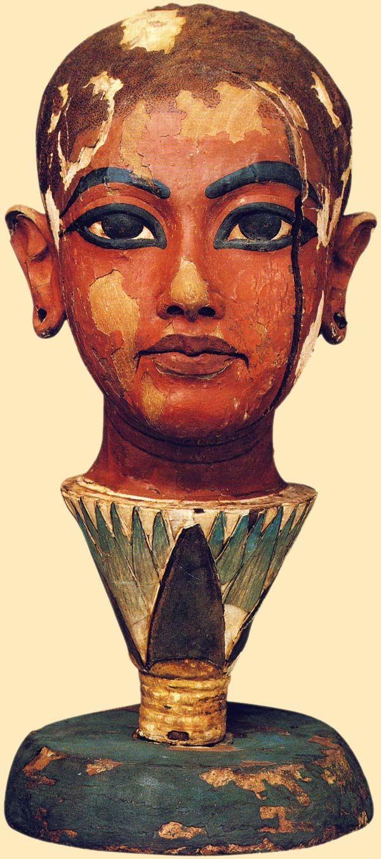 Tutankhamon (1334-1325 a.C.)  http://www.turistarth.com/la-storia-saremo-noi/70-digitare-e-umano-dimenticare-e-diabolico-tecnologia-per-l-antichita