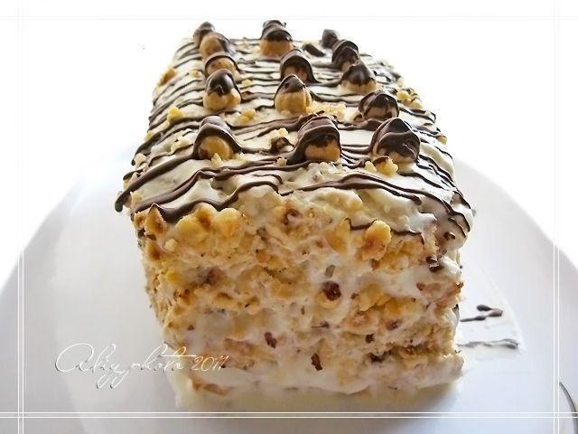 "Кулинарная книга Алии: 175. Торт ""Безе с фундуком"""
