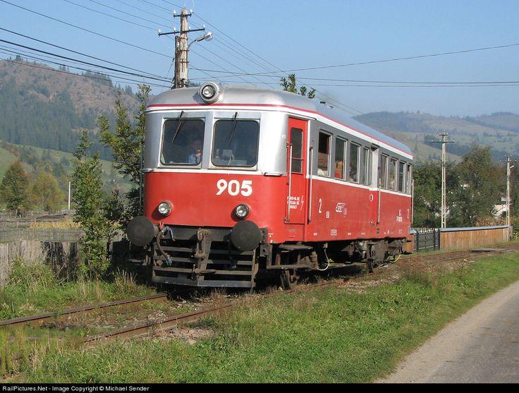 RailPictures.Net Photo: 77-0905-8 CFR Romanian Railways MALAXA 77-0900 at Fromosu, Romania by Michael Sender