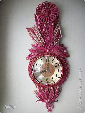Уважаемые жители и гости Страны мастеров! Эти часы декорированы джутовой верёвкой, которую я предварительно покрасила. Хочу поделиться с вами, как это делается. фото 1