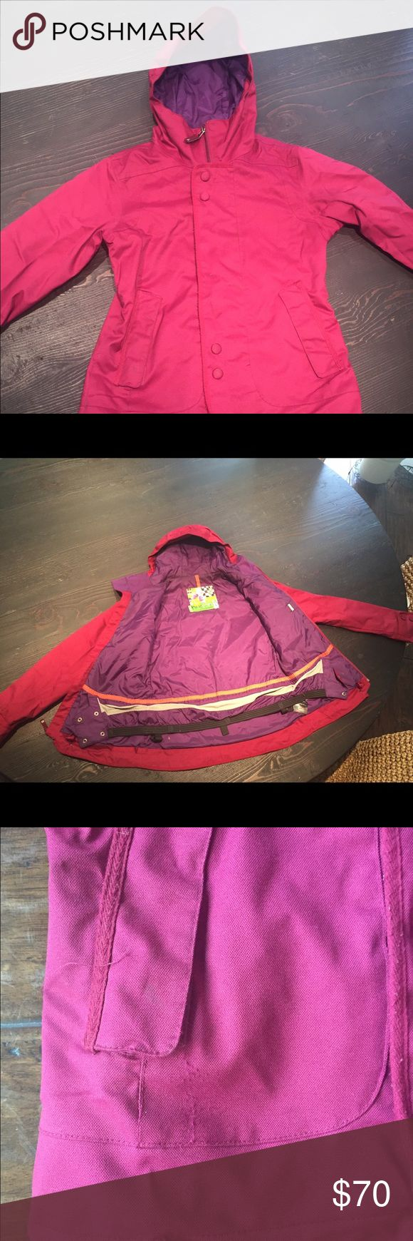 """Burton Dryride Jacket S This is not the Burton Jetset jacket that Jenny_lynn1 posted in her closet for sale but it is the one I received. She posted a photo of the jacket in """"sangria"""" from the Zumiez website and maintains that it was only worn once """"for a couple hours"""" This jacket is old, very worn, dirty, stained, pilled and reeks of cigarette smoke. I will happily sell it for the $50 I paid plus my shipping cost. Burton Jackets & Coats"""