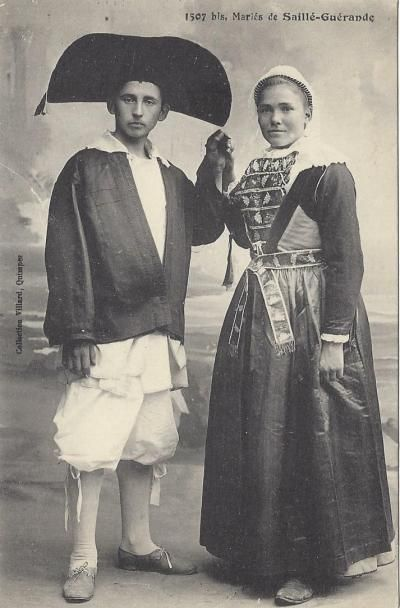 Wedding couple from Saillé, Guérande - French traditional folk costumes