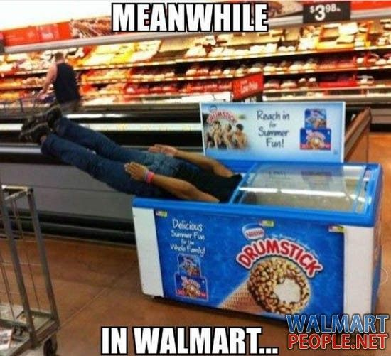 People of Walmart Part 93 – Pics 9 - Won't find this at www.AmericasMall.com