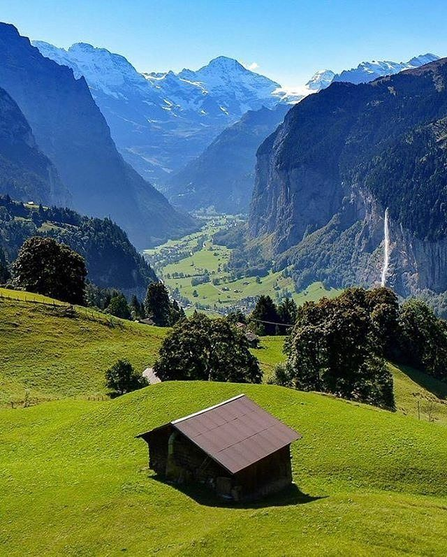 The view from Lauterbrunnen 🇨🇭   Photo by @sennarelax  .  .  🌿 #nature #sky #nature_lovers #nature_brilliance #ff_nature #naturephotography #natureshots #outdoors #nature_good #ig_today #earthgallery #tree_magic #tree #colors #clouds #natureworld_photography #light #weather #landscape #ig_naturelovers #ig_nature #skylovers #dusk #weather #ig_worldclub #world_shotz #naturegram #mothernature