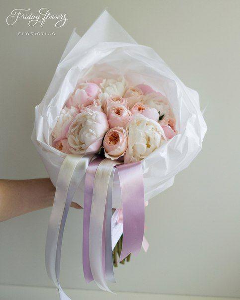 White-pink peonies and peach garden roses David Ostin Juliete. Букет из пионов и пионовидных роз Дэвида Остина Джлульетта.