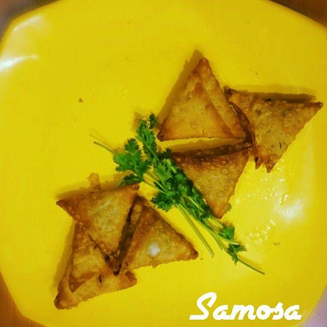 #OnionSamosa #homemade #mumfood  #crispy #trianglesnack #yummy