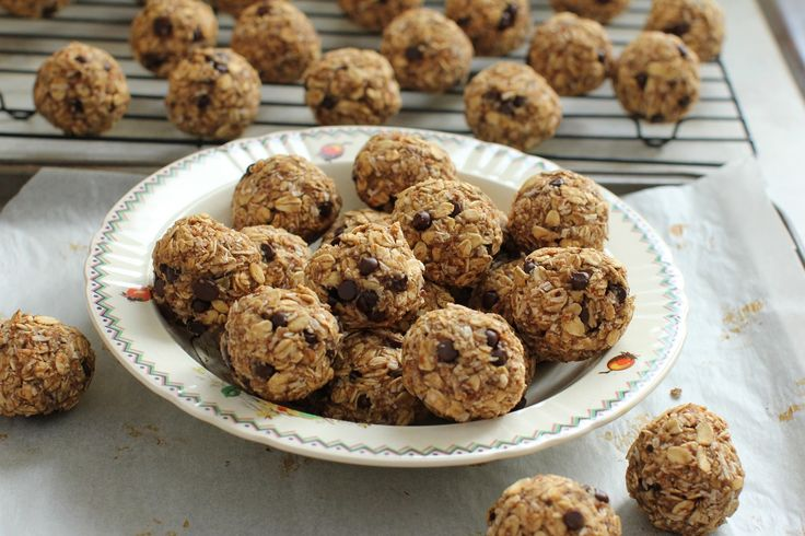 banana oat breakfast balls