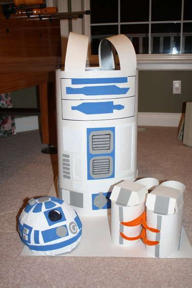 How to Make a R2D2 Costume for $10! My son loves Star Wars - how awesome!