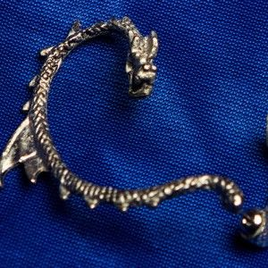 "Dragon ear-stud-cuff earring (right ear) inspired by ""How to Train your Dragon"" - http://nerdipop.co.za/product/dragon-ear-stud-cuff-earring-right-ear-inspired-train-dragon/"