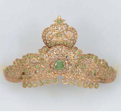 rose gold and emerald tiara