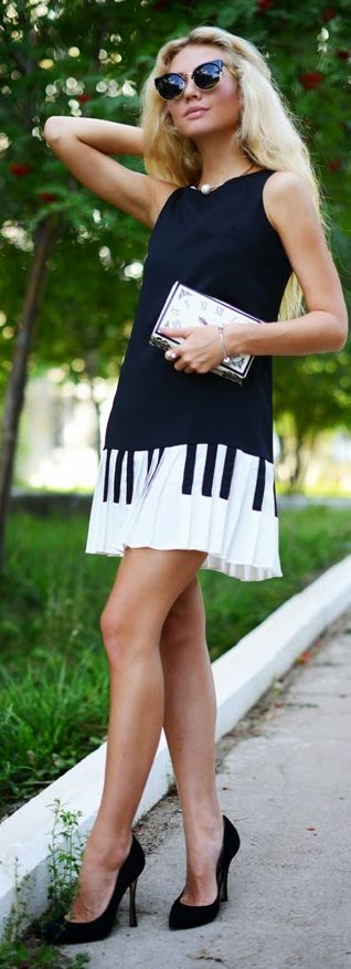 Sheinside Black And White Print Pleated Hem Piano Mini Dress by Fashion Around