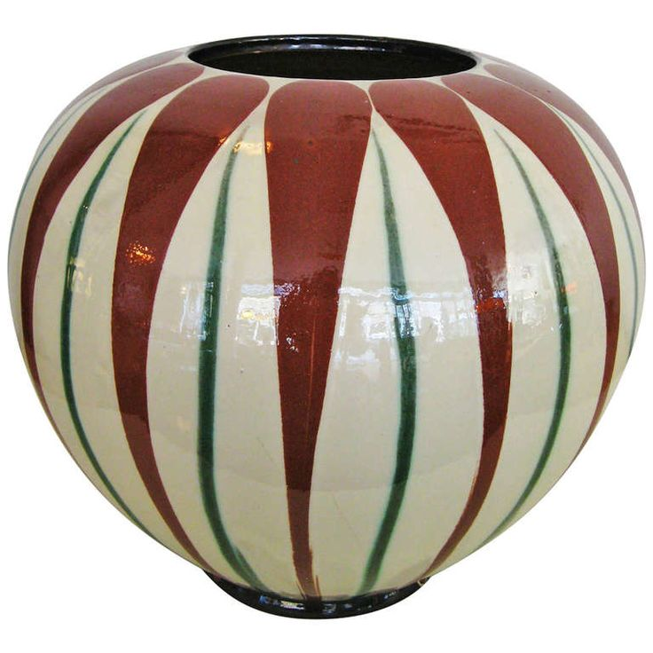 1930´s Kähler Vase | From a unique collection of antique and modern ceramics at https://www.1stdibs.com/furniture/dining-entertaining/ceramics/