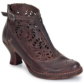 Neosens.  WOW.  Oh my. Oh my.  Probably one of the most beautiful and unique shoe/boots I've ever seen.  On a mission.