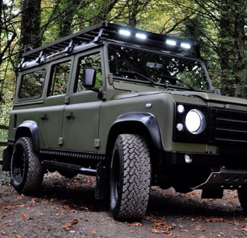 Land Rover #Defender 110.