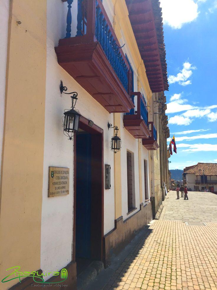 Buenos días desde #Zipaquirá Realmente Mágica; un bonito día para dar un paseo por nuestras calles llenas de historia. #Colombia #Zipaquiráturística #larespuestaesCOlombia