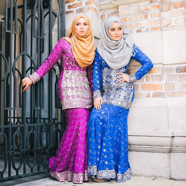 """""""The new Exclusive Saree Kurung.  Purple code : ES01 Electric Blue code : ES02 Material : Chiffon  Please be informed we have other colors as well. You may…"""""""