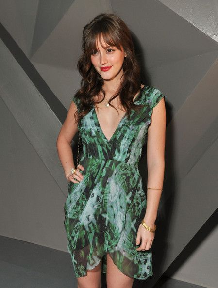 Šaty vhodné pre definovaný pás - Leighton Meester