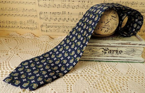 Vintage Tie Necktie Cravat Neckcloth Collectibles