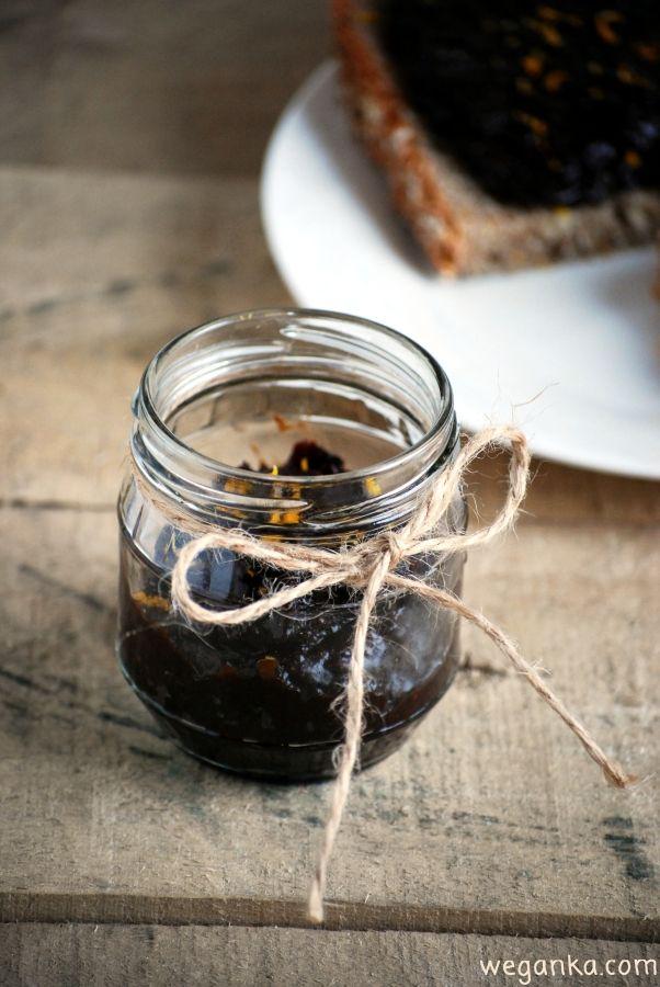 Kuchnia wegAnki: Krem czekoladowy z suszonych śliwek