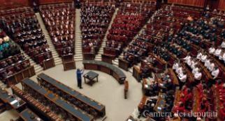 La commissione Affari costituzionali chiede lo stralcio della norma sui territorio e la revisione delle concessioni