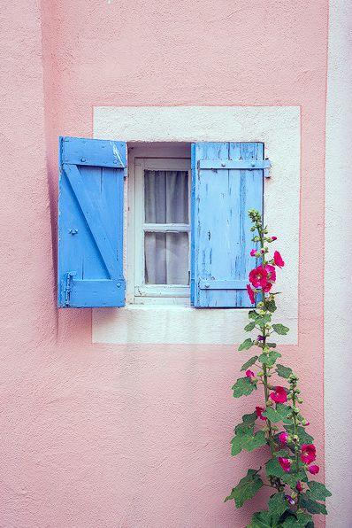 Window - Pantone Colour (s) of the year 2016 - Rose Quartz & Serenity