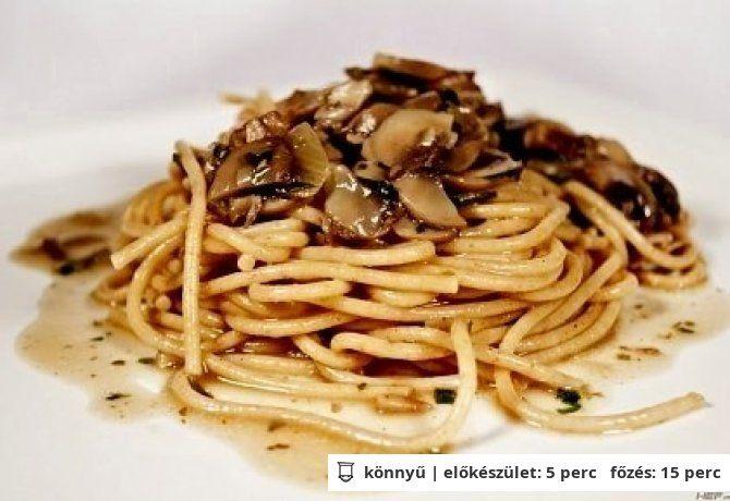 Spagetti gombamártással