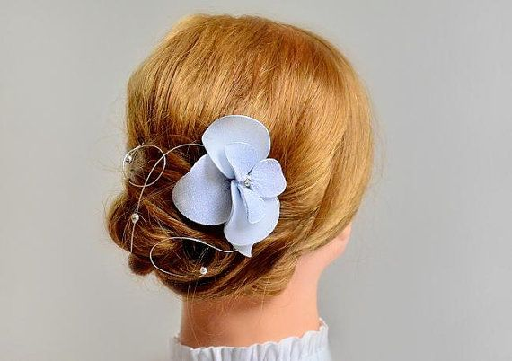 https://www.etsy.com/listing/129462174/wedding-headpiece-silver-hair-clip?ref=shop_home_active_21