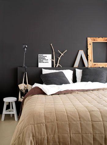 wall behind bed, bedroom black wall
