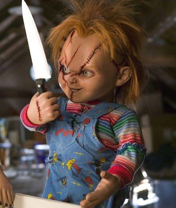CHUCKY CHILD'S PLAY 8X10 MOVIE PHOTO - EVIL DOLL! CREEPY WITH BUTCHER KNIFE