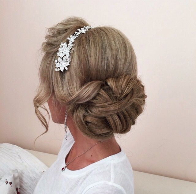 152 best Low & Loose Hairstyles images on Pinterest   Wedding hair ...